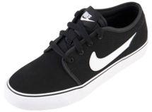 Zapatilla Toki Low BG Juniors Nike $19.794